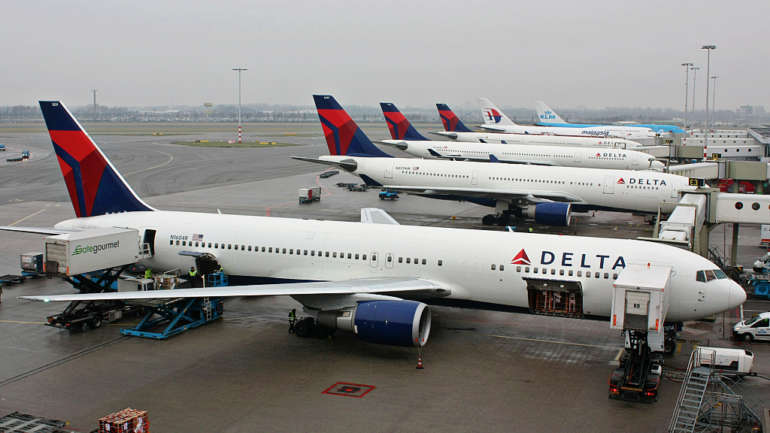Why Delta's current crisis is akin to serving passengers Dom Pérignon while trying to land on bicycle tires
